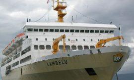 KM Lambelu Dikarantina di Pelabuhan Makassar