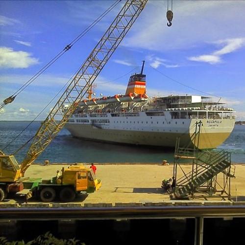 Pelni stop total kapal penumpang tiket kapal pelni jakarta - ambon km nggapulu