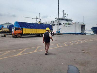 km dharma kencana iii - jadwal kapal laut kumai surabaya