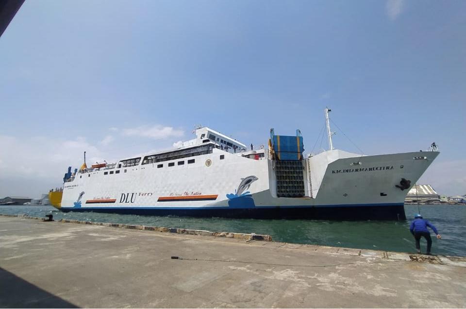 km dharma rucitra ix - jadwal kapal semarang kumai